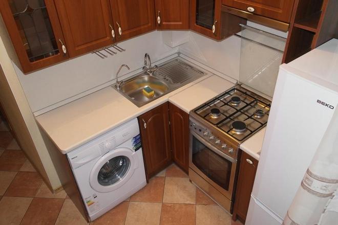 Маленькая кухня дизайн 7 кв м с холодильником и стиральной машиной