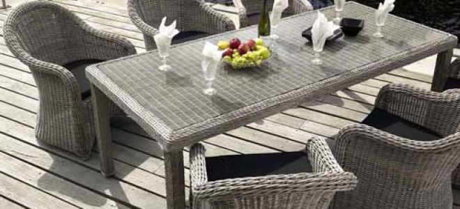 Искусственный ротанг – идеальный материал для уличной мебели