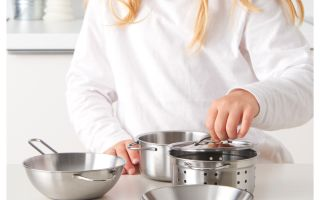 Детская игрушечная посуда из Икеа. Описание и фото приборов