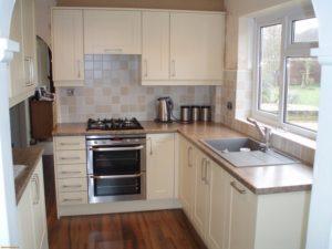 L-планировка маленькой кухни