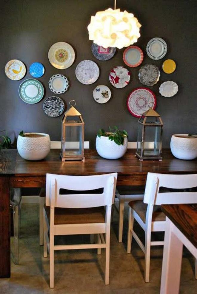 Декорирование стен посудой