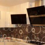 Кухня с панелями