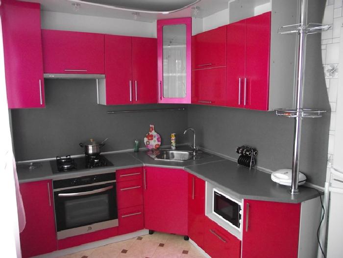 малиновый цвет кухни