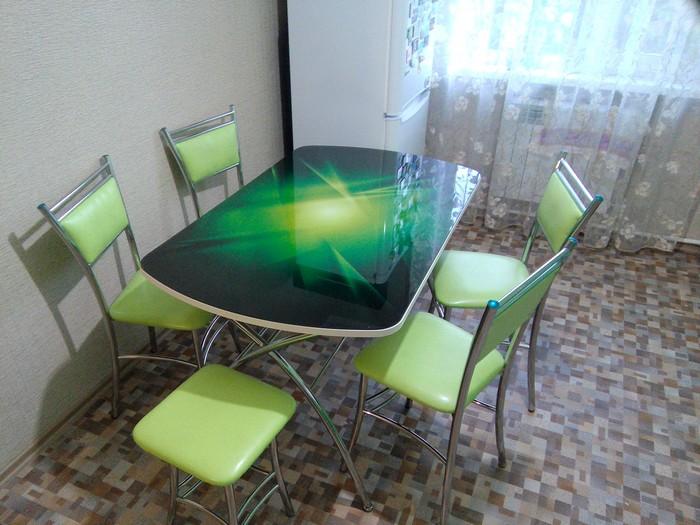 декорировать старый стол своими руками
