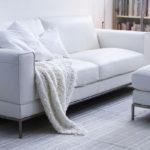 белый диван с подушками икеа