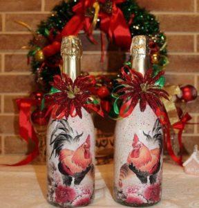 бутылки декорированные с петухом