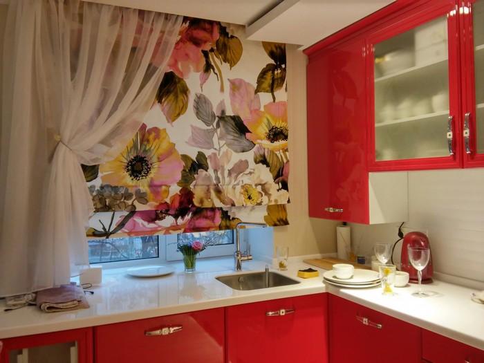 Какими должны быть шторы для кухни