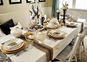 белый праздничный столик