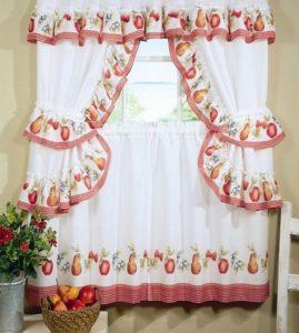 кухонные шторы должны легко задергиваться и раздвигаться