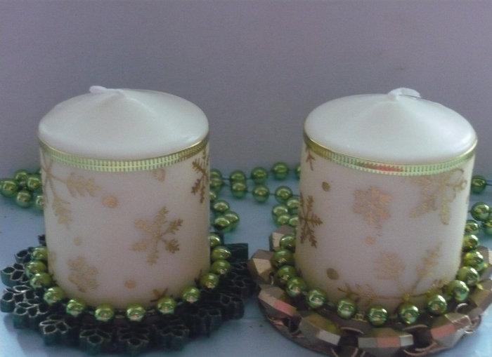 белая свеча с бусами