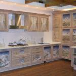 придание свежести старой кухонной мебели