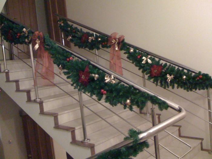 искусственные декоративные гирлянды для лестниц