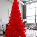 красный цвет в оформлении елки