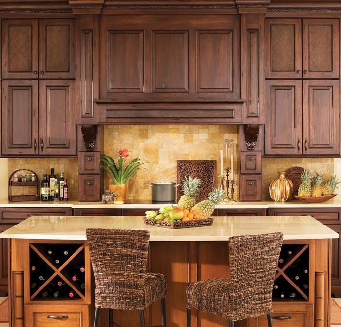 кухонный стол декорированный фруктами