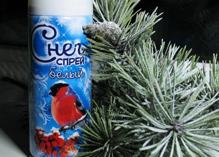 снежный аэрозоль для елки