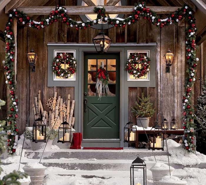 декор новогодней двери