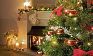 один тон украшений и елки в дизайне дома 2
