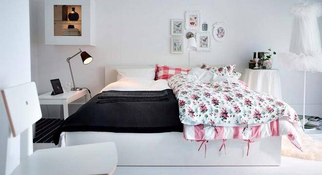 Белая кровать ХЭМНЕС