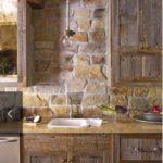Фартук на кухне из камня