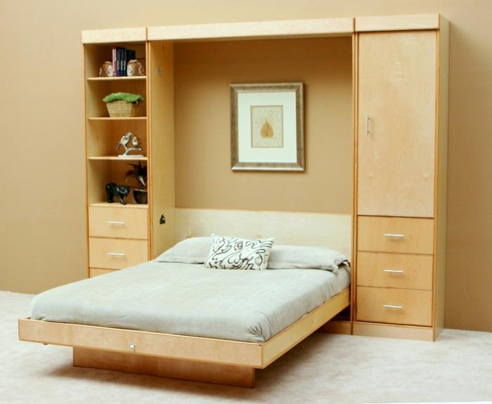 Раскладная кровать с монолитным матрасом