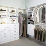 Система от ИКЕА в гардеробной