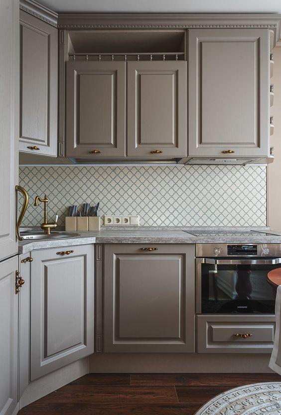 Стильный гарнитур для маленькой кухни