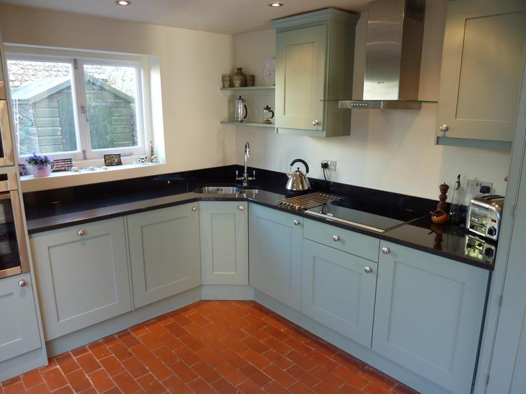 кухонная угловая мойка