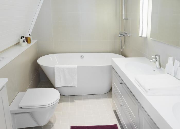 Элегантная маленькая ванная