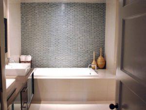 Оформление плиткой современной ванной