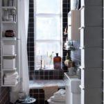 Полки и шкафчики в ванной комнате