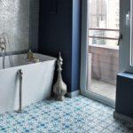 Идея оформления ванной плиткой