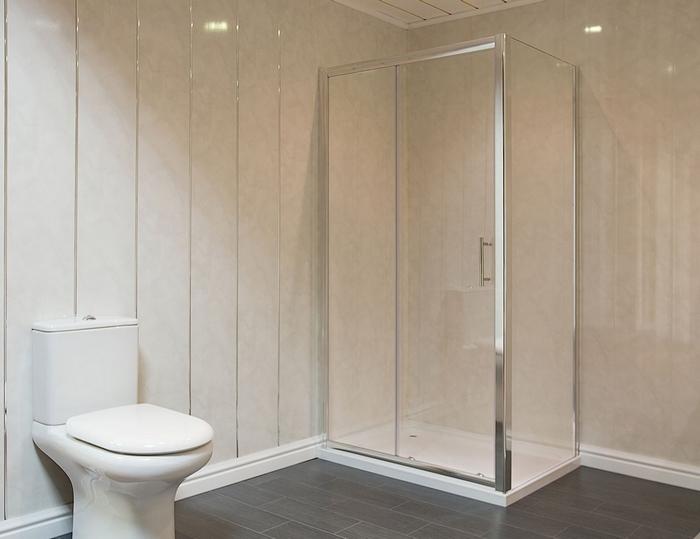 Оформление панелями небольшой ванной