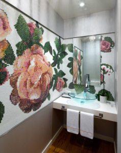 Панно из мозаичной плитки
