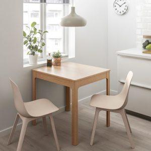 kvadratnyj-kuhonnyj-stol
